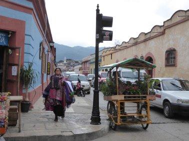 Typische straatbeeldje in San Cristóbal de las Casas.