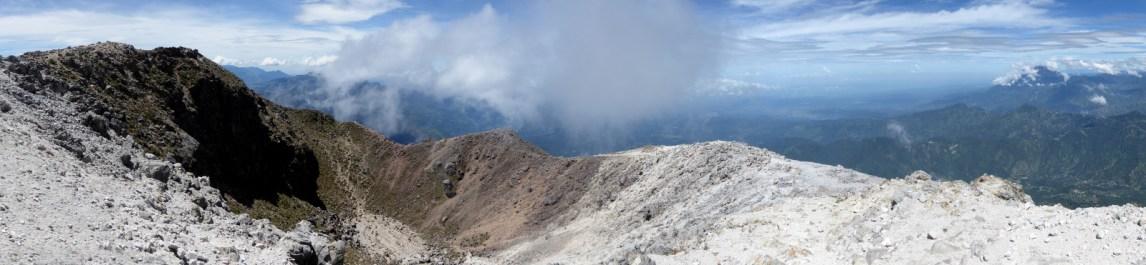 De krater van Tajumulco.