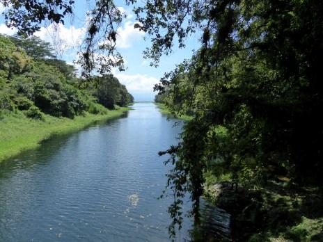 Het kanaal naar Lago de Yojoa.