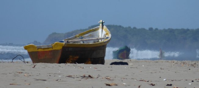 Het loeihete strand van El Esterion. El Cuco