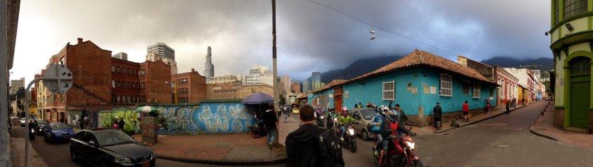 Typisch straatbeeldje. Bogota (Colombia)