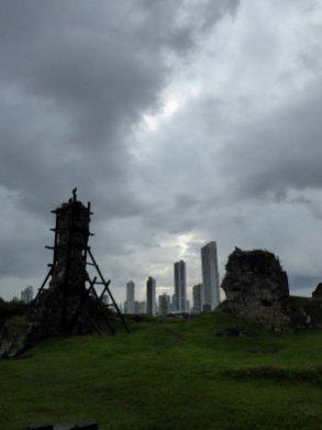 De ruïnes van Panama Viejo worden inmiddels bewoond dor gieren. Panama Viejo Panama City