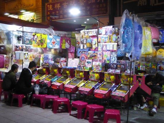 Net in pak lekker op de kinderspeelkast. Taipei