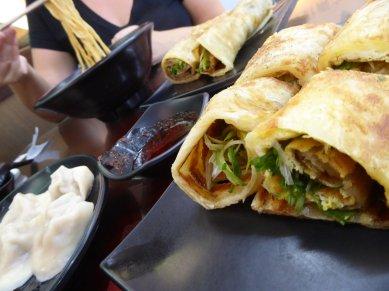 Pannekoeken, dumplings en noodlesoep... nom nom nom. Taipei