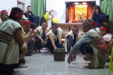Ritueel van de Bunun aboriginals om de jachtgoden gunstig te stemmen. Yuli