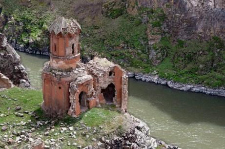 800px-20110419_Monastery_of_Hripsimian_Virgins_Ani_Turkey