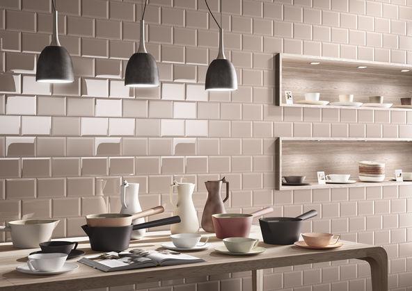Un toque retro en los azulejos de la cocina azulejos pe a for Revestimiento pared cocina