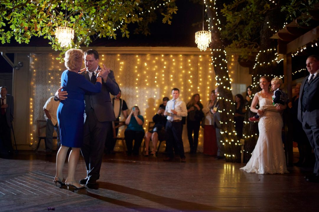 Andrea and Keith - Kindred Oaks Austin Wedding - 12