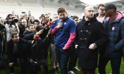 La protesta di giocatori e tifosi dello Stade Français