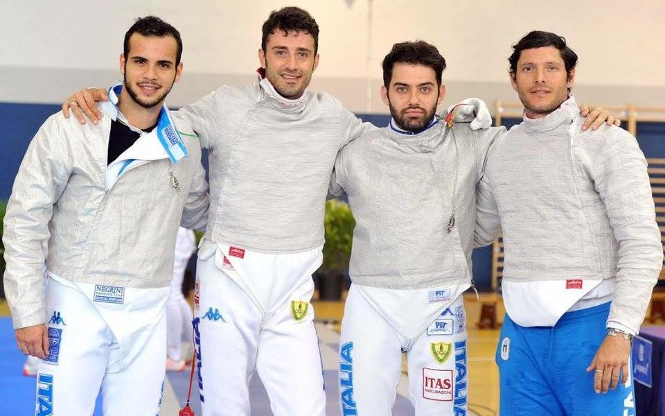 Luigi Samele, Enrico Berrè, Luca Curatoli ed Aldo Montano festeggiano la vittoria nella Coppa del mondo a Madrid