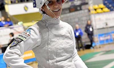 Arianna Errigo sorride in posa in pedana