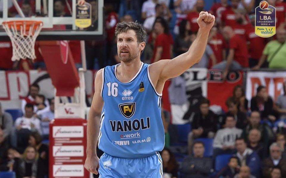 Basket Serie A1: Cremona vince a Pesaro