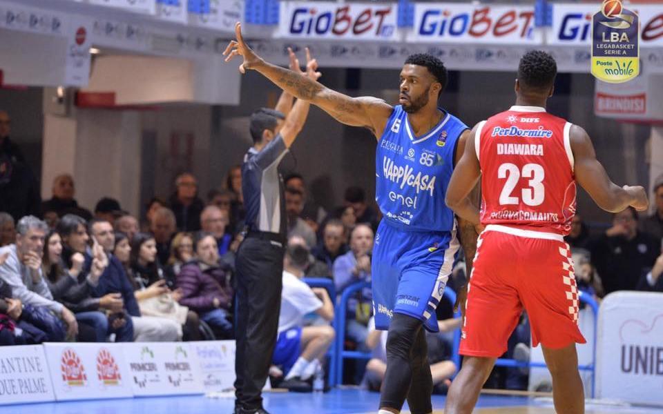 Basket serie A1: Brindisi vince la delicata sfida contro Pistoia