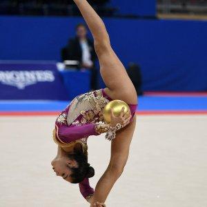 Alexandra Agiurgiuculese vince il bronzo nella specialità palla ai Mondiali di Sofia 2018