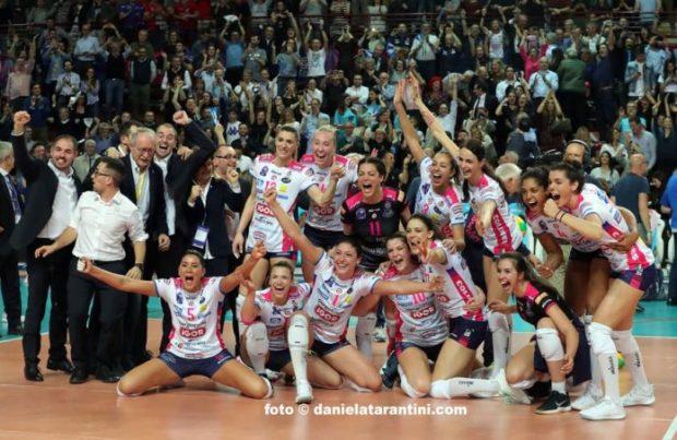 Nella foto: Igor Gorgonzola Novara in finale Volley Champions League a Berlino insieme a Imoco.  FONTE: VOLLEYBALL.IT
