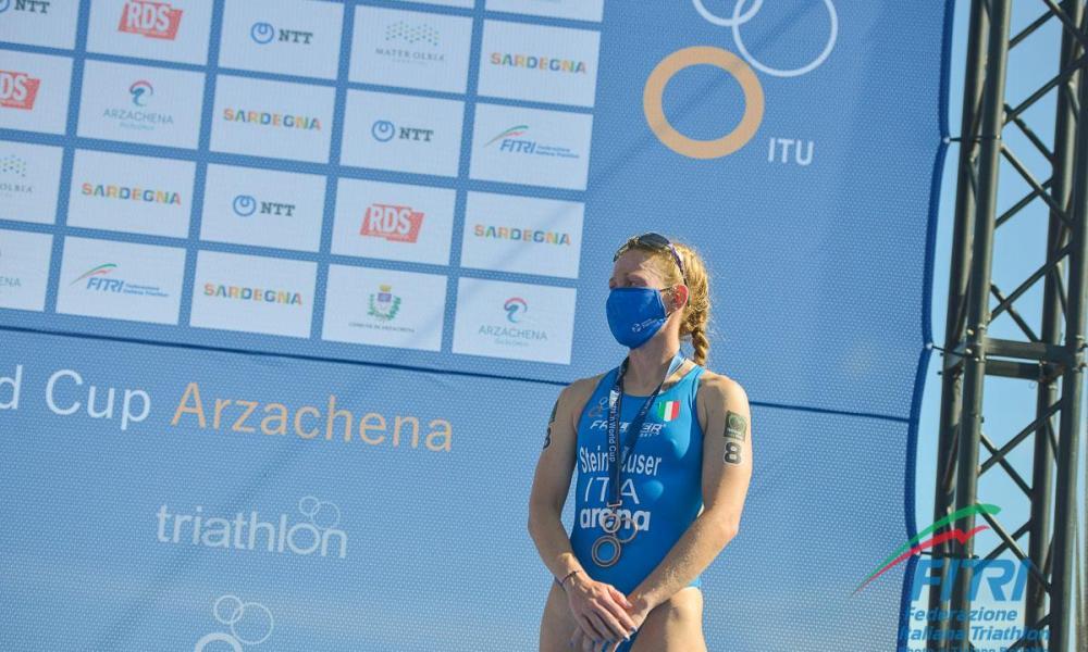 triathlon coppa del mondo 2020 arzachena verena steinhauser terza world cup 2020 italia italy sardegna sardinia third place terzo posto