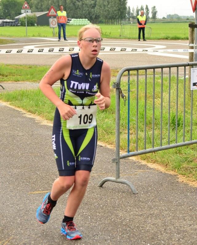 Chimène begint sterk in triathlon