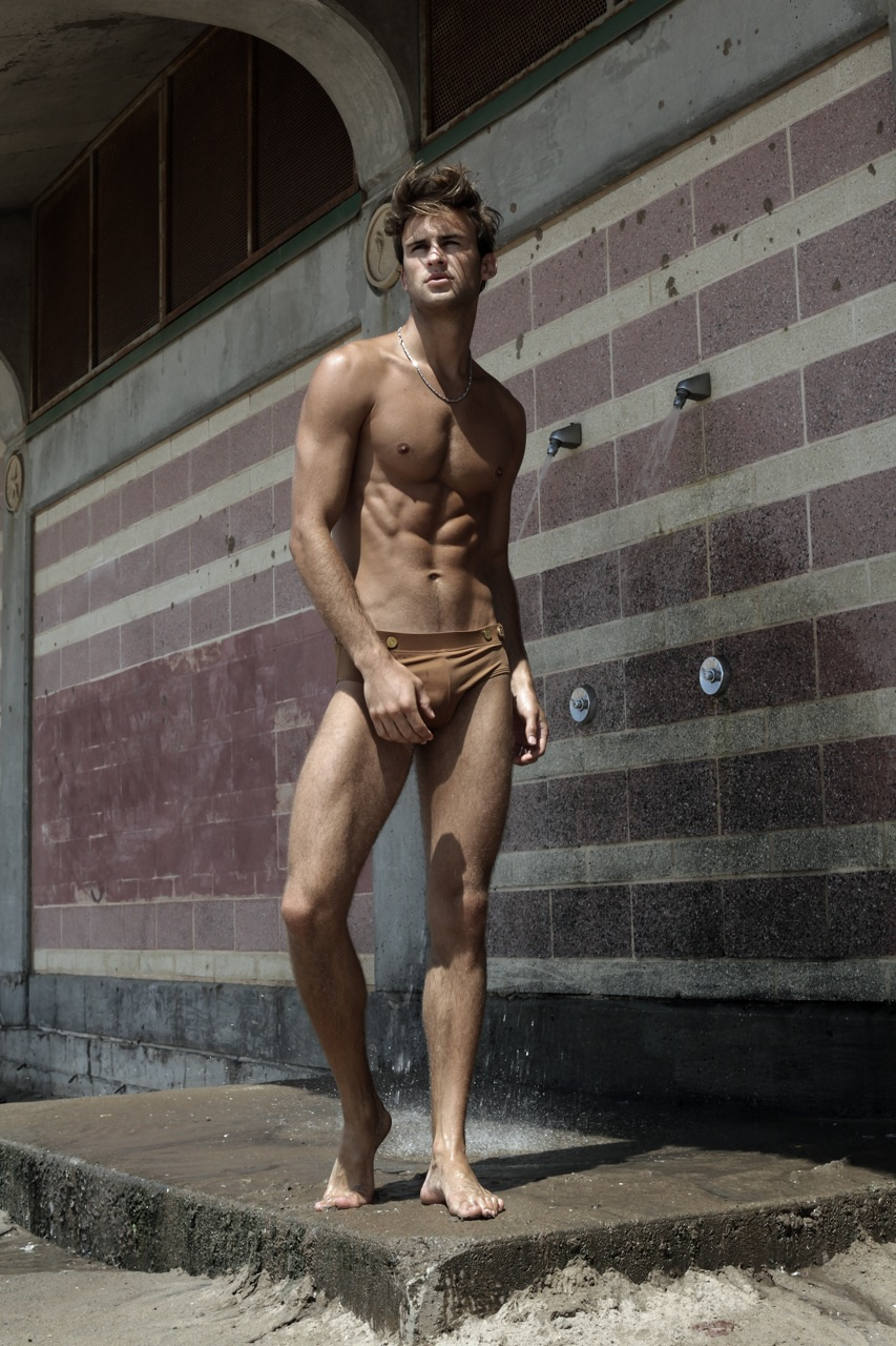 Alexander Taptsov by Thomas Synnamon