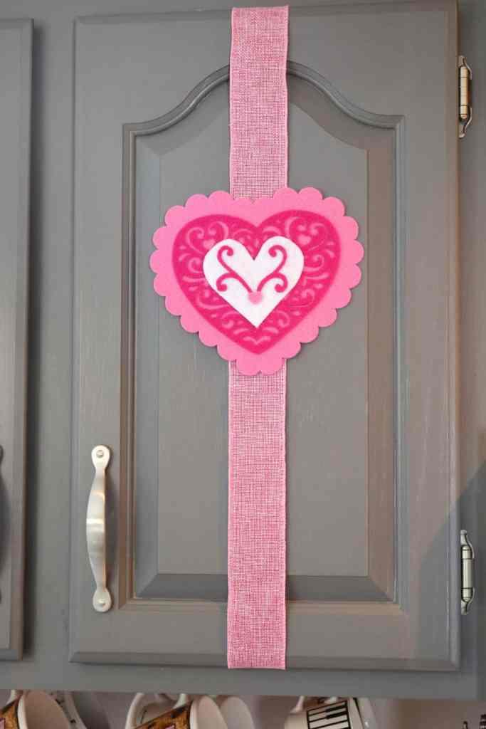 https://www.b4andafters.com/kitchen-cupboard-valentine-decor