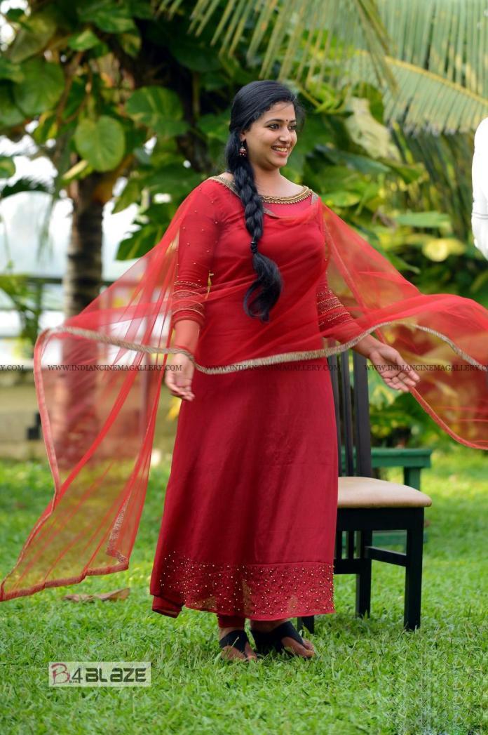 Anu Sithara cute photos