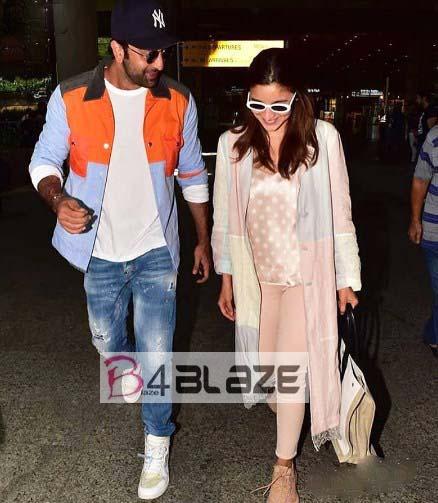 Party pictures of Alia Bhatt and Ranbir Kapoor hot