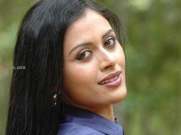 Dhanya Mary Varghese Images
