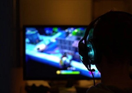 earn mony by playing video games