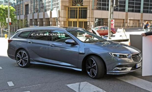 Opel Insignia Sports Tourer (Foto: CarPix/CarScoops)