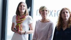 Scrum im Content-Marketing: Das Scrum-Team (v.l. Anna Maria Petermann, Jessica Alscheid und Juliette Schneider) bei der Präsentation Ihrer Ergebnisse im Scrum Review.