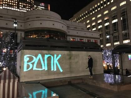 »Bank 2 Banksy 2 Banksystem«Luma Paint Public Light Graffiti as Lightpainting, London Winter Lights, Canary Wharf, 2017