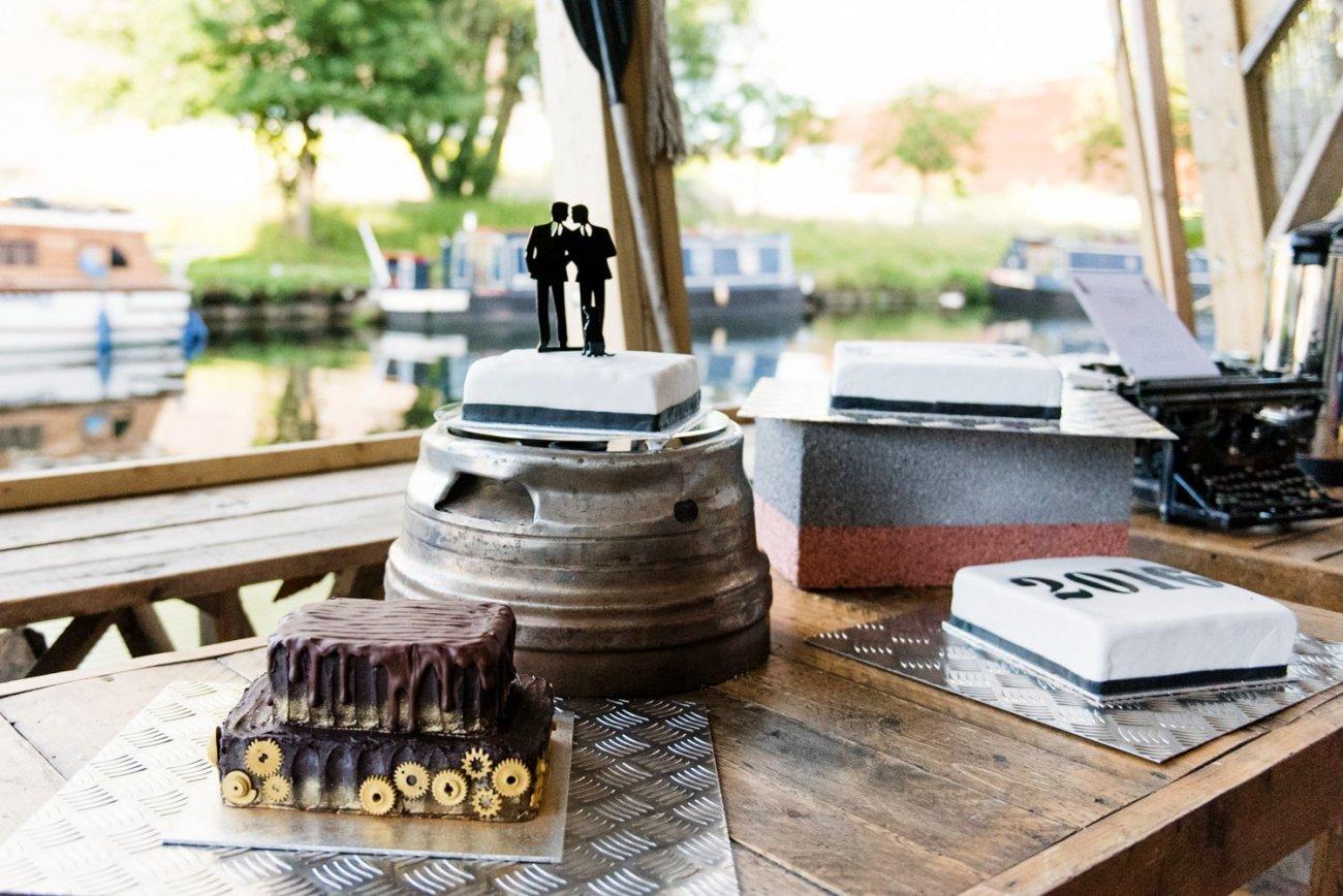 Alternative wedding cakes same sex wedding London