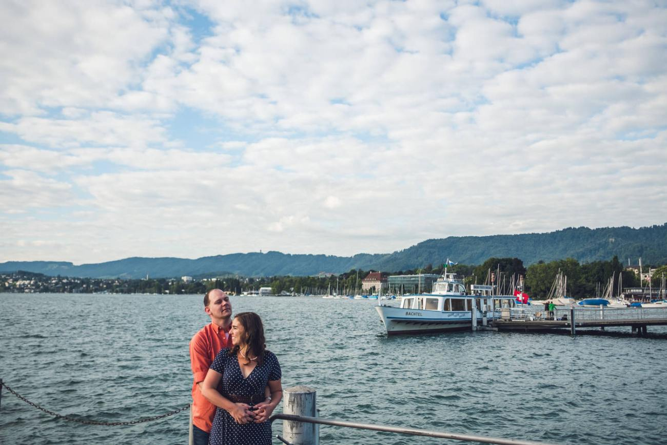 Couple in front of lake zurich