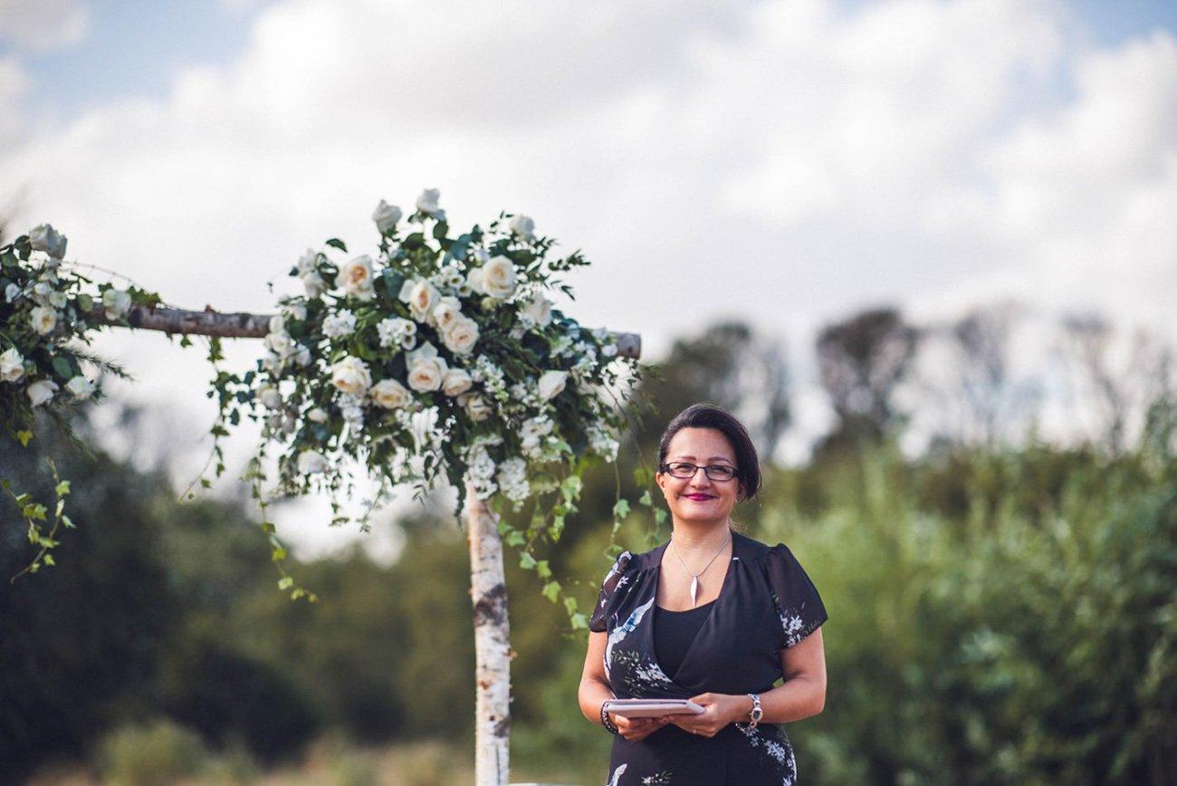 Andri Benson wedding celebrant humanist and celebrant led weddings