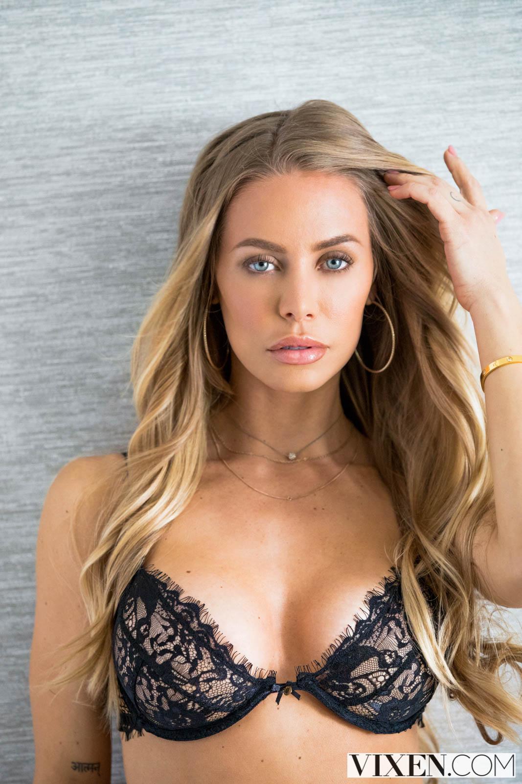 Nicole anoston