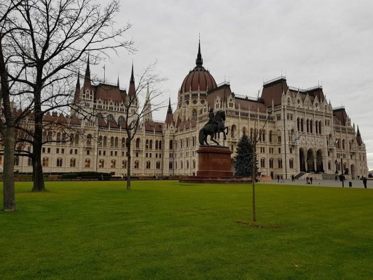 Budapest_parlament_2jpg