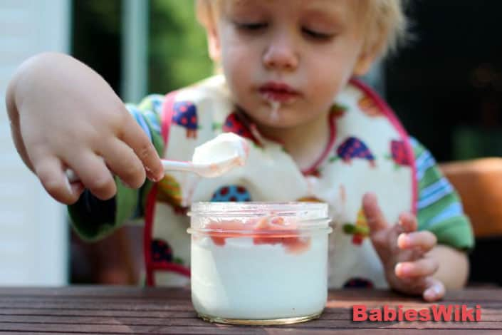 How-to-feed-a-baby
