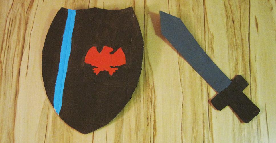 Basteltipp Ritterschwert und Schild für Kinder