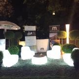 Arredi luminosi Plust per archigala' Villa Lo Zerbino
