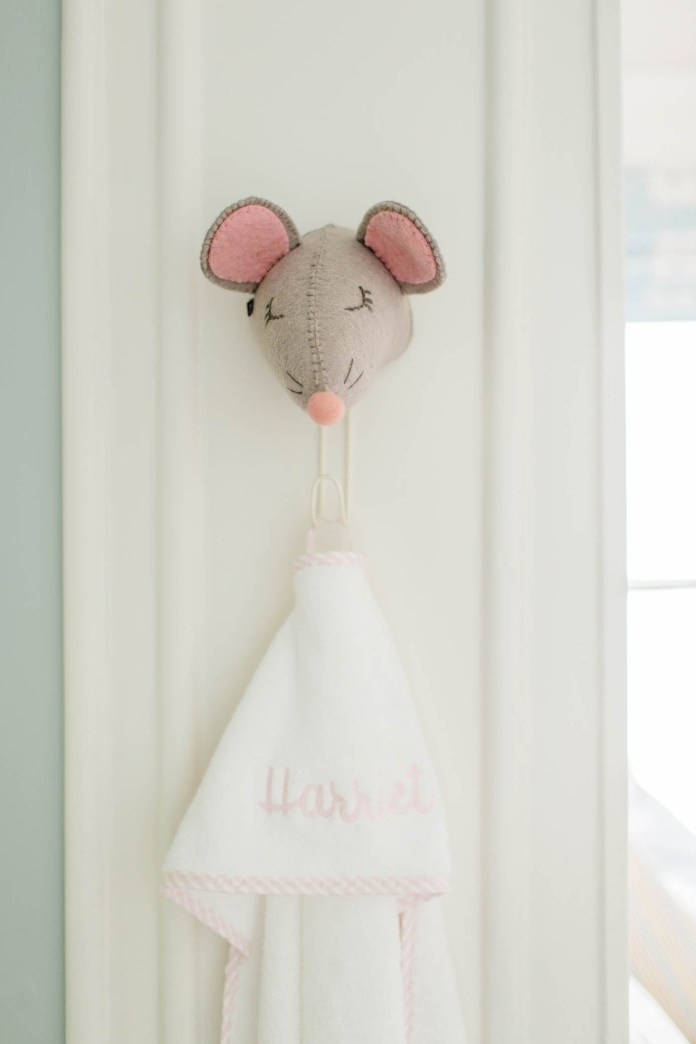 Mouse Wall Hook with Towel