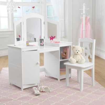 Le Toy Van Lilys Cottage With Furniture Baby And