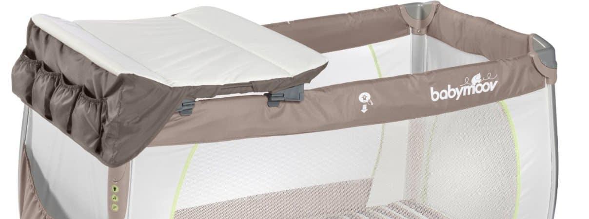 lits parapluies avec table a langer