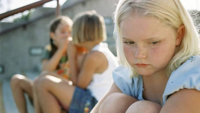 Inviti per il compleanno del bambino - l'etiquette - bambina non invitata al compleanno