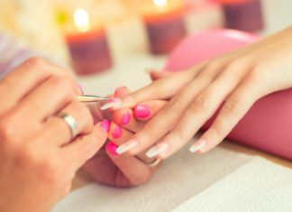 Ricostruzione delle unghie