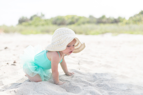 Cute Sad Baby Girl Wallpaper Tips For Having A Pleasant Beach Day With Your Baby Baby