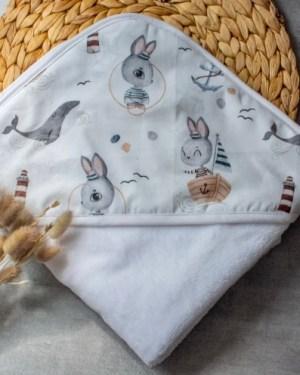 cape-sortie-de-bain-bébé-enfant-création-artisanale-francaise-éponge-bambou
