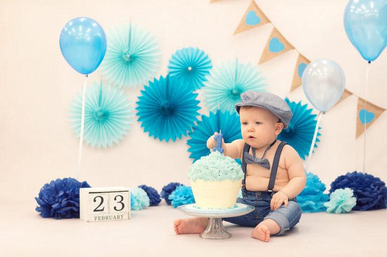 having fun  cake smash shooting  Babyfotografie  Baby