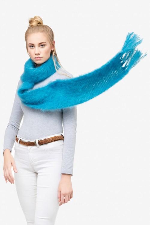 Model-Cuddles-Cobalt