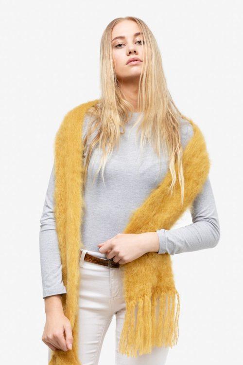 Model-Cuddles-Mustard