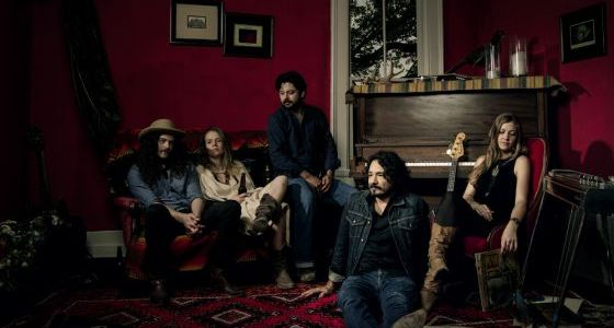 """The Bluegrass Situation premieres Fairbanks & the Lonesome Light's new single """"Pieces"""""""