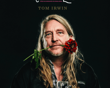"Americana UK premieres new single ""Baby Britches"" by Tom Irwin"